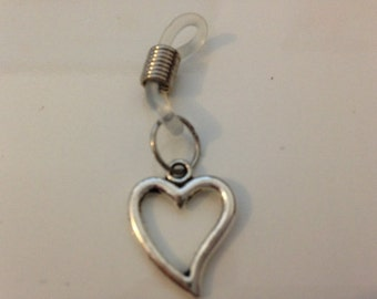 Tibetan silver heart charm knitting needle holder for needles up to 5.00 mm