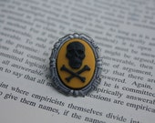 CLEARANCE! Black On Yellow Skull Silhouette Cameo Mini Brooch