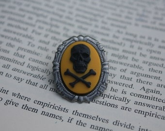Black On Yellow Skull Silhouette Cameo Mini Brooch