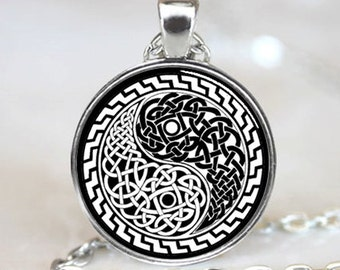 Celtic Style Yin Yang Oriental Handcrafted  Necklace Pendant (PD0522)
