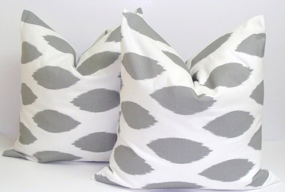 GRAY PILLOWS SET.20x20 inch Pillows.Pillow Covers.Decorative Pillows.Housewares.Gray Ikat..Ikat Gray Pillows.Gray and Yellow Pillows.Grey.cm