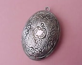 Pretty Little Locket for Project-Pretty but Does Not Have Working Clasp