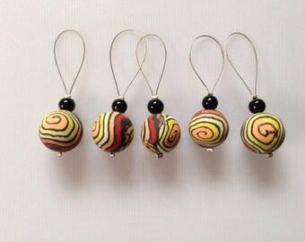 Swirl knitting stitch markers