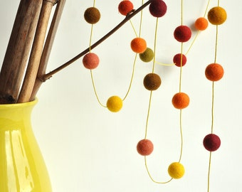 Fall garland, pumpkin decor, thanksgiving garland, fell ball garland, wool balls, thanksgiving decor, fall wall hanging, orange bunting