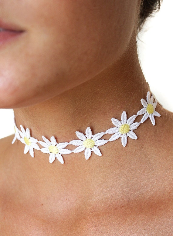 Vintage Style Jewelry, Retro Jewelry Daisy flower Choker Necklace 90s style 60s boho grunge adjustableDaisy flower Choker Necklace 90s style 60s boho grunge adjustable $8.00 AT vintagedancer.com
