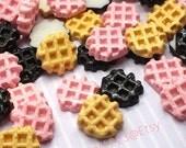 Kawaii Round Waffle Cabochon 21mm (3pcs) Kawaii Dollhouse Miniature Sweets Cabochon Fake Biscuit Decoden Kitsch Jewelry CA074