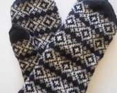 Hand knitted Wool Mittens for Women Double layered Black Gray White READY TO SHIP
