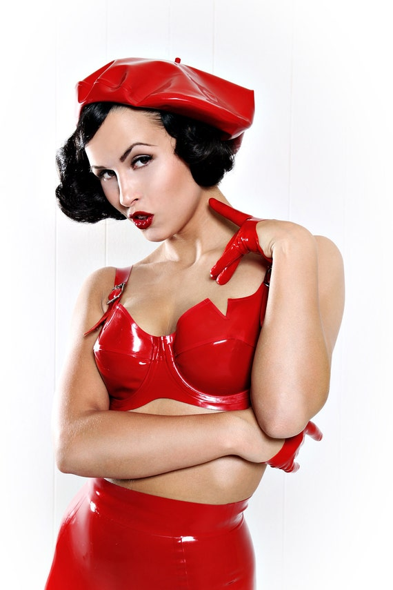 CLAIRE Underwired Latex Bra with Back Buckle Closure & Front Adjusting Shoulder Straps