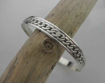 Sterling silver bangle bracelet with chain design