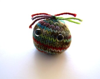 Knitted Wool Ball Monster Mini Fuzzy Trouble Pocket Pal