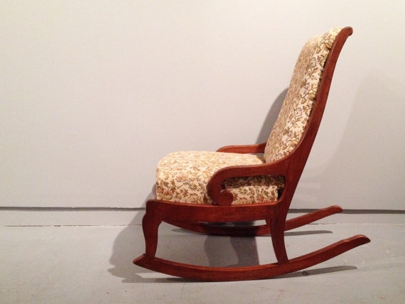 vintage armless rocking chair. 1940s nursing rocker / sewing chair.