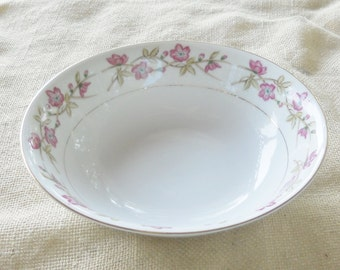 Mid Century Valmont Shabby Chic/Cottage Style Floral Vegetable or Serving Bowl, Briar Rose