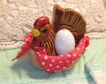 Chicken Rooster Salt and Pepper Shaker/S/Use Coupon Code CLEARINGOUT25 Must Be used at check