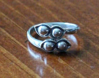 Two Peas In A Pod- Ring- Adjustable Size - Sterling Silver- Twin Jewelry- Best Friend- Gift- Mother Daughter Gift- Couples Jewelry