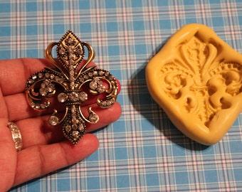 Fleur De Lis Centerpiece Jeweled Brooch Mold