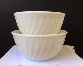 Anchor Hocking - Fire King - Ivory Swirl Bowls - Set of Two