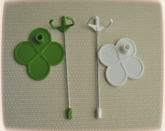 1 GREEN stand for blythe dolls and similar