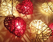 Battery Powered LED Bulbs 20 White Red Heart Rattan Fairy Lights String Valentine Party Patio Wedding Floor Table Hanging Gift Home Decor 4m