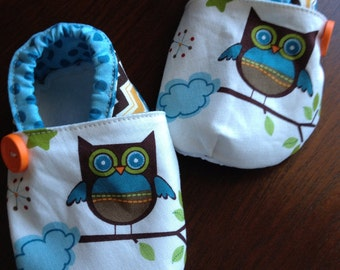 Woodland Friends booties. Available in 0-18 mo.