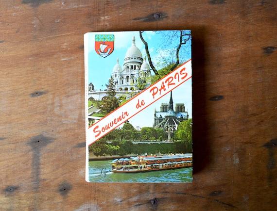 Vintage Paris postcard book - souvenir de PARIS - French cards