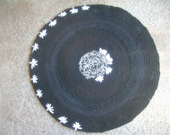 Circular rug made from recycled clothes BLACK colours ,round Black rug, Black & white rug