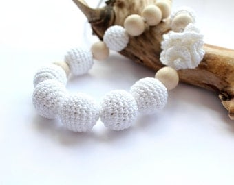Snow White Crochet  Nursing Necklace - Nursing /Teething necklace with Crochet Flower- Breastfeeding Necklace for mom and baby