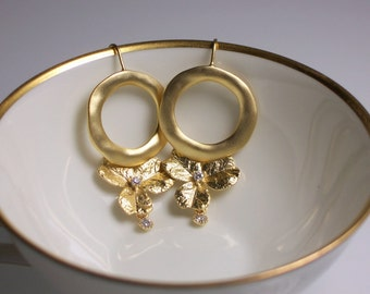Floral Earrings, Dangle Earrings, Gold Earrings, Fashion Earrings, Modern Jewelry