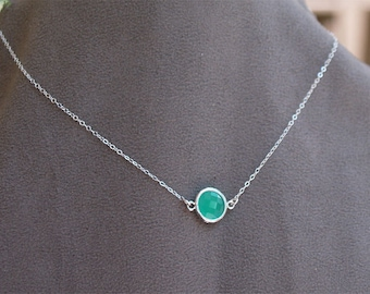 Kelly Green Stone Necklace - Sterling Silver Chain - Faceted Little Green Dot in Silver - Classic Necklace
