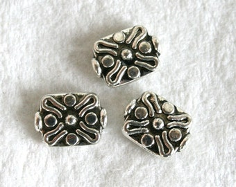 5 Antique Silver Plated Spacer Beads