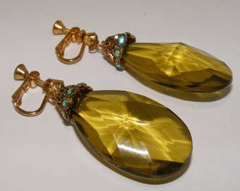 Vintage Lucite Statement  Earrings Vin06