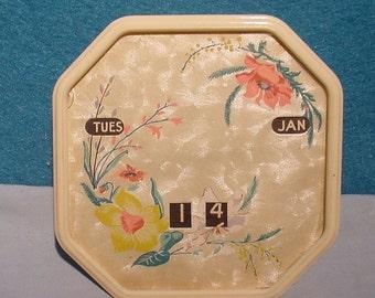 Desktop Collectible Vintage Perpetual Calendar 1930s - 40s Floral Glass & Plastic
