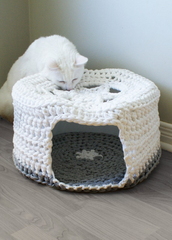 Free Crochet Pattern For A Cat Bed : DIY Crochet PATTERN Chunky T-shirt Yarn Pet Cave / Cat Bed