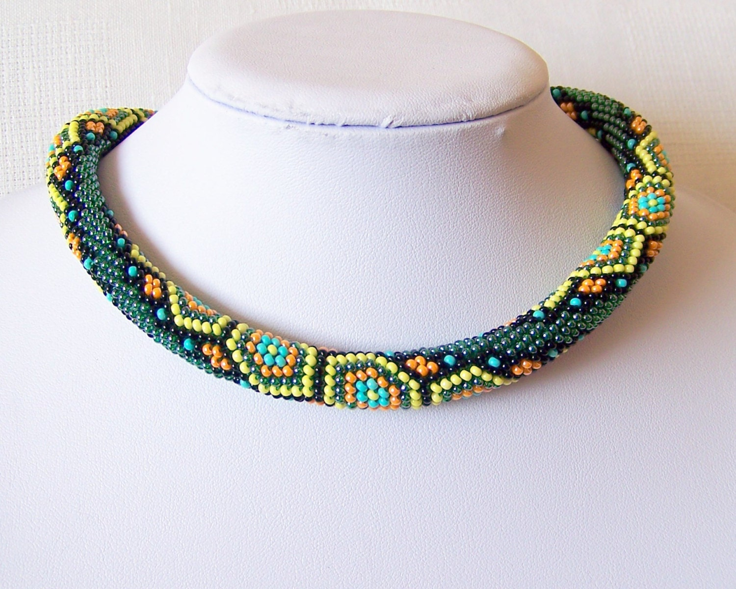 bead crochet necklace with geometric pattern beaded rope