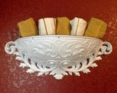 Vintage Syroco Burwood Wall Pocket Towel Holder Wall Planter Ornate White Hollywood Regency Decor