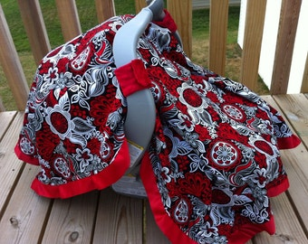 Minky carseat canopy. Black/red