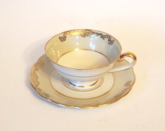 Vintage Teacup and Saucer Set Fine China Royal Bayreuth 1940's Pale Green and Gold Tea Cup and Saucer - Germany US Zone - Circa 1946-1947