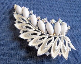 1960s White and Silver Leaf Brooch ART