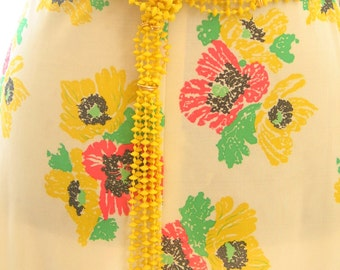 Vintage 1960s Yellow Plastic Beaded Hippy Belt in excellent vintage condition
