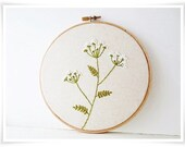 Cow Parsley Hand Embroidery in Hoop Wall Art - KawaiiSakuraHandmade