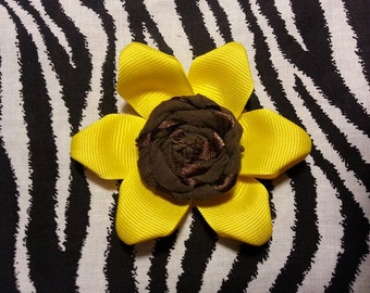 Fabric Flowers Yellow Sunflower Flower 3.5 inch Hair Bow on Lined Alligator Clip