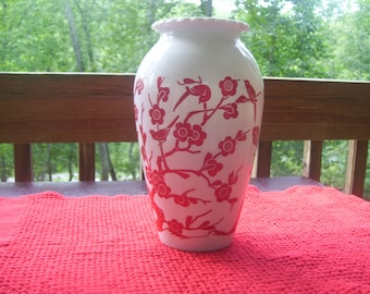 Anchor Hocking Milk Glass/Red Bird Vase