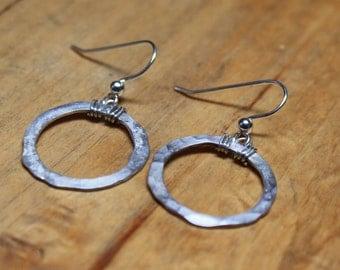 Sterling 925 Silver hammered circle hoop earrings
