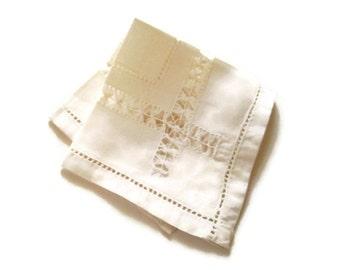 Vintage Cotton Victorian Doily Square Pulled Thread Technique Handmade Cloth Doily Table Decor Home Decor Handkerchief Hankies
