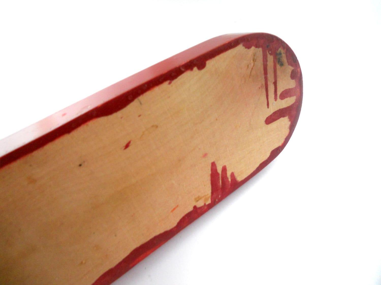 schwedische kerzenleuchter rot holz aufkommen von tastevintage. Black Bedroom Furniture Sets. Home Design Ideas