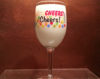 """Scented Wine Glass Candle """"CHEERS!"""" 10oz"""
