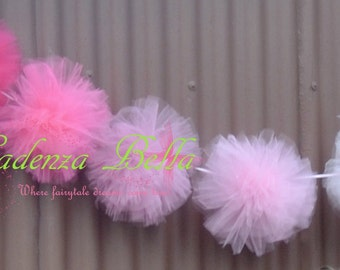 Tulle pom pom Garland - Medium