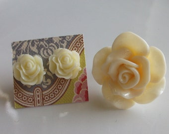 Cream Flower Earring and Ring Set