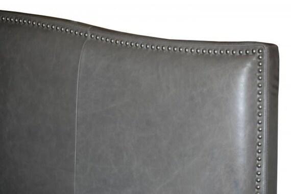t te de cuir v ritable lit king size dans le par alexalindesigns. Black Bedroom Furniture Sets. Home Design Ideas