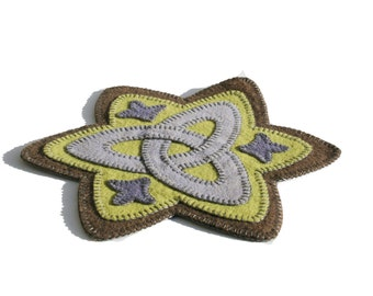 PDF, Triquetra Penny Rug Pattern, trinity, celtic knot, instant download, wool felt applique, candle mat, embroidery, blanket stitch, gaelic