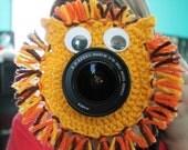 Crochet camera lens buddy- lion